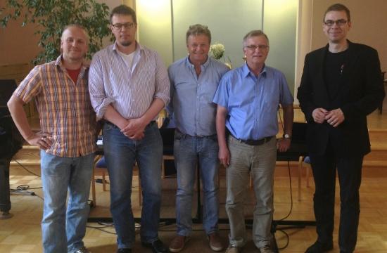 Några av de nya utskottsmedlemmarna tillsammans med FS ordförande Jan Edström. Fr.v.: Stefan Sigfrids, Peter Sjöblom, Håkan Björklund, Björn Elfving, Jan Edström.