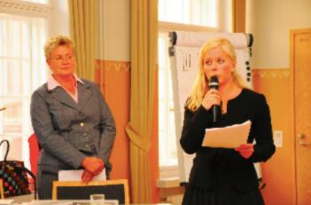 """Katri Leino-Nzau och Katri Hyvärinen, författarna till """"Religionsfrihet och utrikespolitik - rekommendationer för Finland""""."""