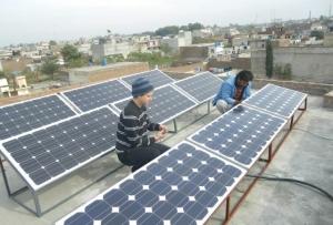 Nya solpaneler har kunnat installeras tack vare bidrag från Finland.