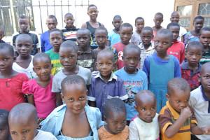 45 barn är närvarande vid den första träffen