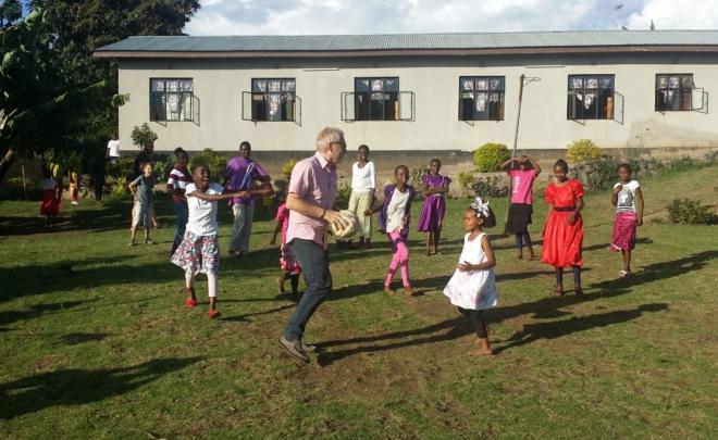 Motiverade elever i New Life Academy i Tanzania